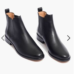 NWT Chelsea Boot